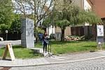 Další ročník Veřejného čtení jmen obětí holocaustu – Jom ha-šoa se uskutečnil ve čtvrtek u pomníku obětem holocaustu