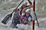 Vít Pohanka z Klatov a Denis Wendl z Horšovského Týna se stali v Bratislavě juniorskými mistry světa ve vodním slalomu na deblkánoi.