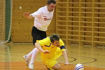 Celostátní liga ve futsalu Trivel Klatovy (ž) - Sádek 2:2.