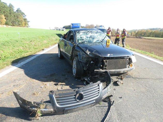 Dopravní nehoda uBukováku, tři zranění.