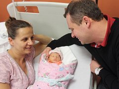 Emma Rosa z Klatov (2320 gramů, 48 cm) se narodila v klatovské porodnici 10. prosince ve 12.45 hodin. Rodiče Veronika a Petr přivítali očekávanou prvorozenou dcerku na svět společně.