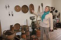 MUZEJNICE Vítězslava Bursová v expozici muzea