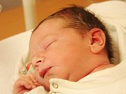 Matyáš Toman z Klatov      (3940 g, 54 cm) se narodil v klatovské porodnici 22. března v 18.45 hodin. Rodiče Lenka a Petr přivítali očekávaného syna na světě společně. Doma se na brášku těší Julinka (5) a Vojtíšek (3).