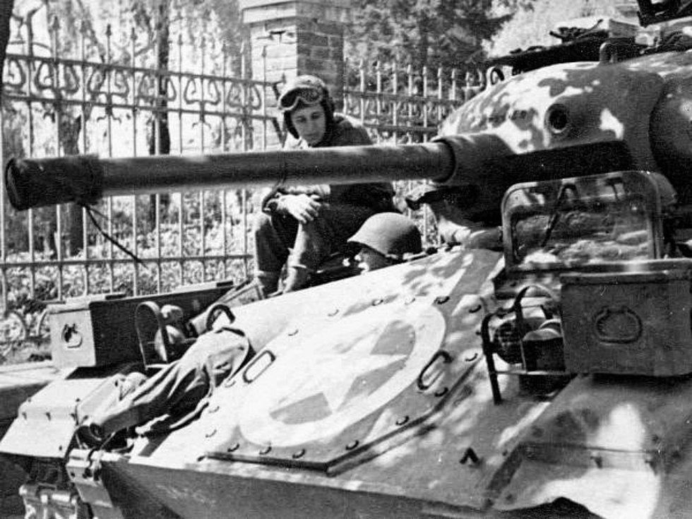Květen 1945 v Klatovech. Foto: archiv Miloše Ryneše