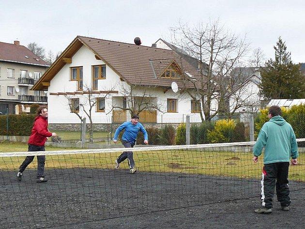 Nohejbalový turnaj v Dešenicích