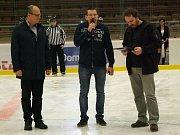 Z prvního hracího dne Šumavské ligy amatérského hokeje.