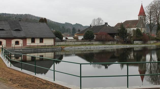 Rybník v Chlistově 2016