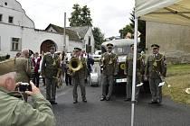 Plukovník Matěj Pavlovič, válečný letec 303. perutě RAF patří mezi významné rodáky obce Vlkonice . Vroce 1994 mu byl zde postaven pomníček.