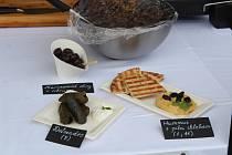 V Sušici voněla exotická jídla. Lidé mohli ochutnat i pavouka v rumu.