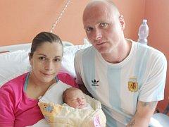 Emma Viktorová z Nepomuku (3300 gramů, 50 cm) se narodila v klatovské porodnici 26. května ve 21.35 hodin. Rodiče Barbora a Josef přivítali očekávanou prvorozenou dcerku na svět společně.