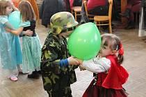 Dětský karneval v Hoštičkách.