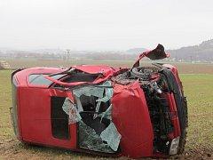 Dopravní nehoda osobního vozu u Koryt v neděli 12.11.