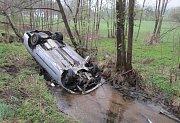 Dopravní nehoda u Nezdic na Šumavě.