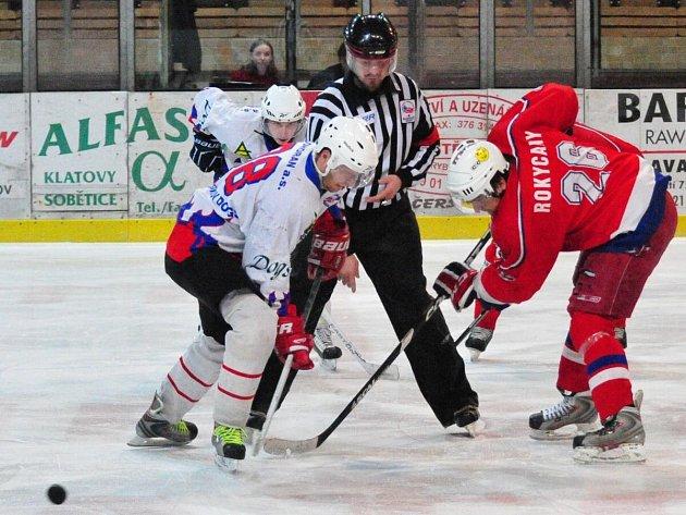 Semifinále Plzeňské krajské ligy mužů HC Klatovy B - HK Rokycany 3:8.