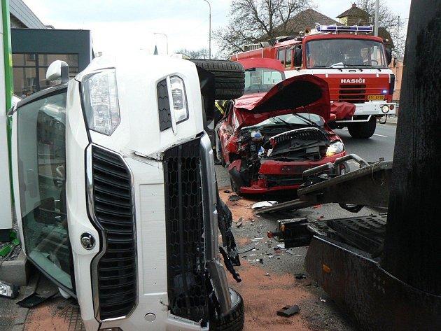 Nehoda v Horažďovicích, jejíž příčinou byla zaskočená žvýkačka.