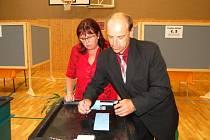 Eurovolby 2009, Janovice nad Úhlavou, pečetění urny po skončení voleb
