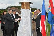 Odhalení soch sv. Jana Nepomuckého v Bolešinech