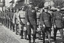 Dobový snímek legionářů v Klatovech