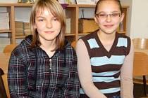 Dominika Šimčáková (vpravo) a Anna Tomanová patřily mezi trojici nejúspěšnějších gymnazistů v soutěži.