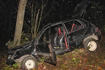 Při nehodě u Kašperských Hor se zranili tři mladí lidé.