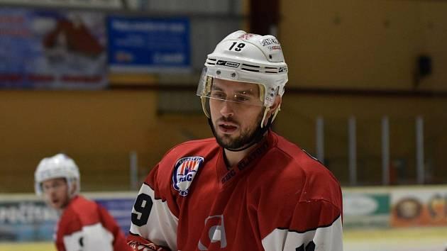 Hokejisté HC Klatovy B (v červeném) padli v Nejdku.