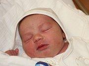 Karolína Radová zHadravy (3010 g, 47 cm) se narodila vklatovské porodnici 18. října v1.43 hodin. Rodiče Tereza a Michael znali pohlaví  miminka dopředu. Doma čeká bráška Míša (7).