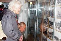 Vernisáž výstavy k okupaci v klatovském muzeu