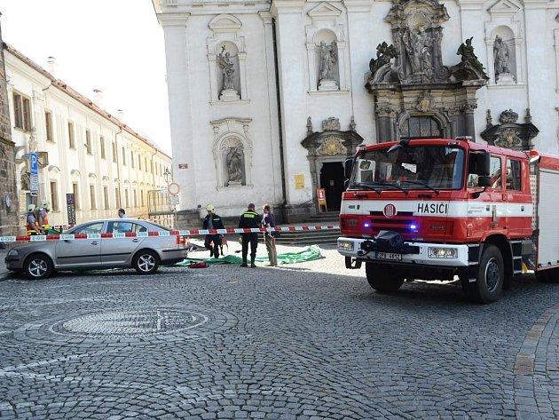 Žena ukončila život skokem z Černé věže.