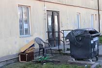 Ubytovna v Horažďovicích, kde matka nechávala děti o hladu. Musely se spoléhat na dobrotu sousedů včetně Heleny Matějcové.