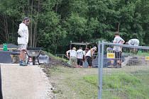 Výstavba pumptrackového hřiště a hřiště na fotbal v Železné Rudě.