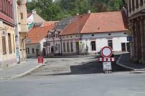 Rozkopaná ulice T. G. Masaryka v Sušici.