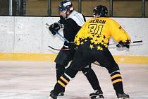 Hokejový turnaj starých gard v Klatovech