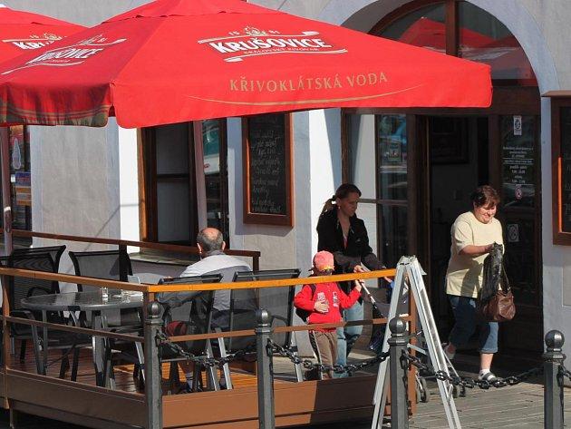 Předzahrádka u restaurace v Klatovech