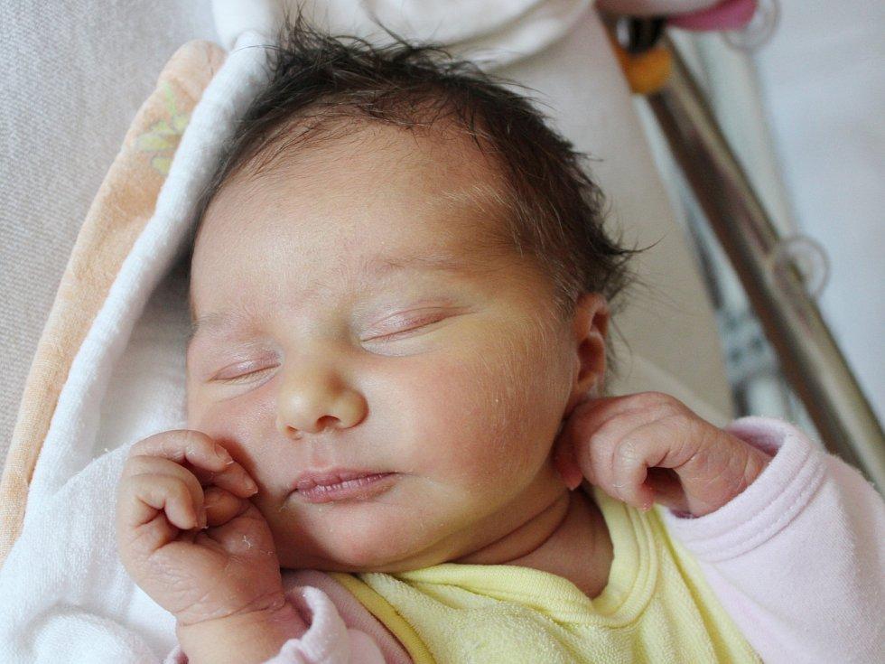 Eva Škrabálková z Dobříkova (3770 g, 52 cm)  se narodila v klatovské porodnici 2. července ve 20.48 hodin.  Rodiče Lenka a Martin si pohlaví miminka nechali jako překvapení až na porodní sál, kde dceru přivítali na svět společně. Doma už mají Radka (8) a