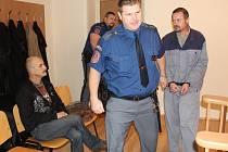 U soudu se kamarádi Josef Hochman (vlevo) a Zdeněk Rubáš viděli po více než třech měsících.