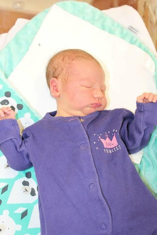 Štěpánka Kunešová zMyslovic se narodila vklatovské porodnici 25. července v20:24 hodin (3220 g, 49 cm). Maminka Romana a tatínek Zdeněk věděli dopředu, že pětileté Julince přivezou domů malou sestřičku.