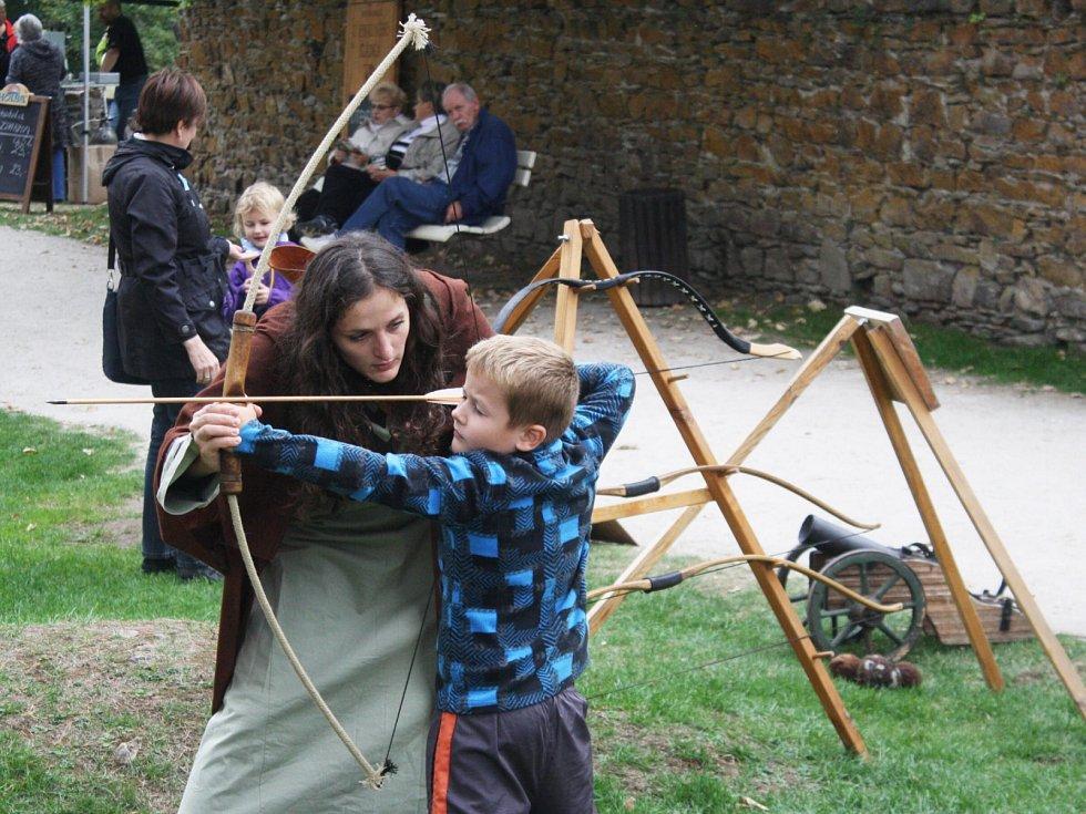 Hrad Velhartice se o víkendu vrátil do středověku.