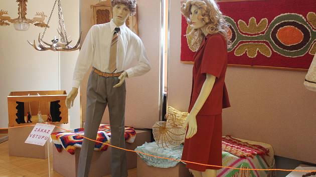 V muzeu v Klatovech byla otevřena výstava Hobby té doby.
