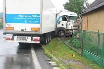 Nehoda kamionu v Mochtíně