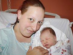 Karin Palusková z Nezdic na Šumavě (3450 g, 50 cm) se narodila v klatovské porodnici 12. května ve 13.22 hodin. Rodiče Pavla a Manuel přivítali očekávanou dcerku na svět společně. Na sestřičku doma čeká Terezka (2).