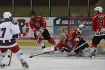 Krajská liga dorostu: HC Klatovy (v červeném) - HC Hluboká n/V 8:6.