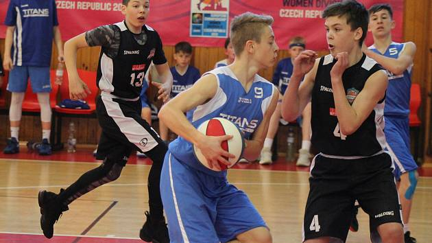 Grizzlies Plzeň U14 - Dresden Titans 67:63 - fotogalerie pátečního zápasu.
