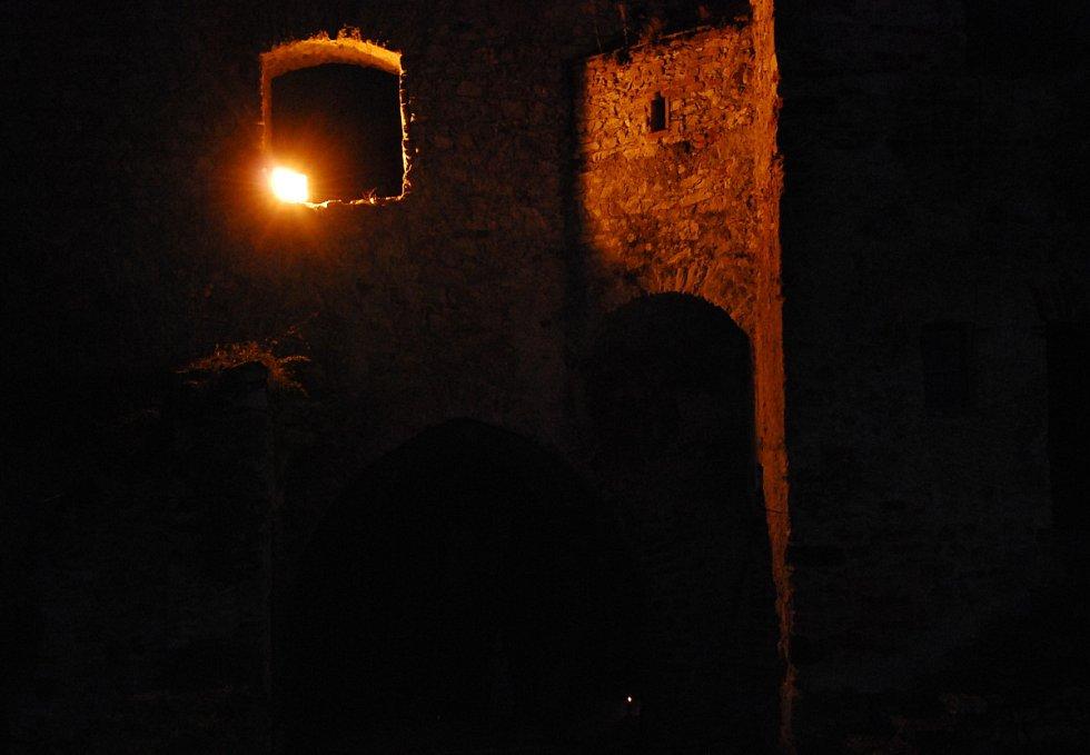 Hradozámecká noc na Rabí