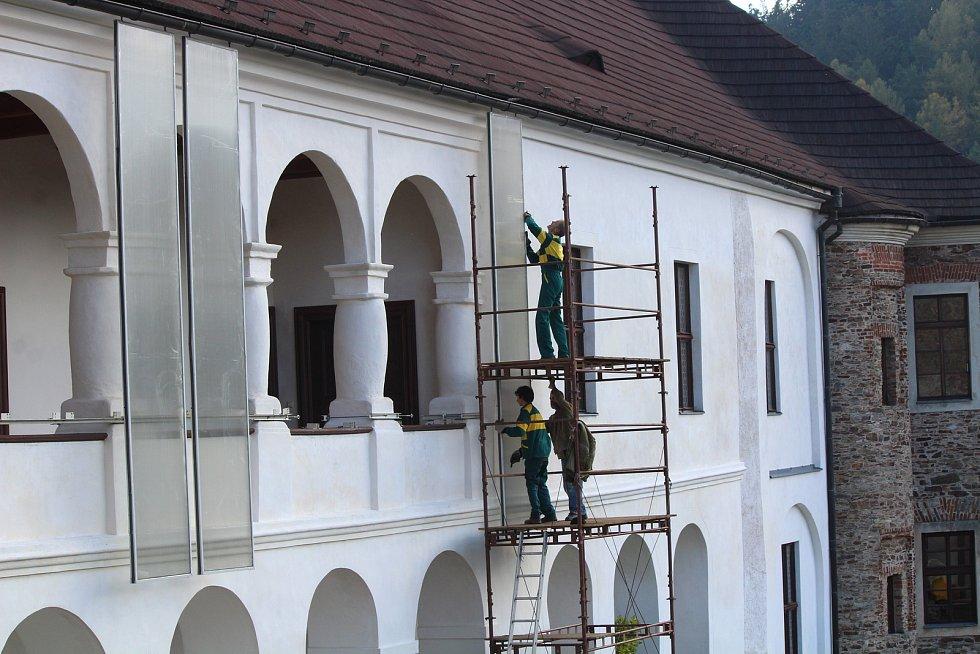 Hrad Velhartice - příprava na zimu