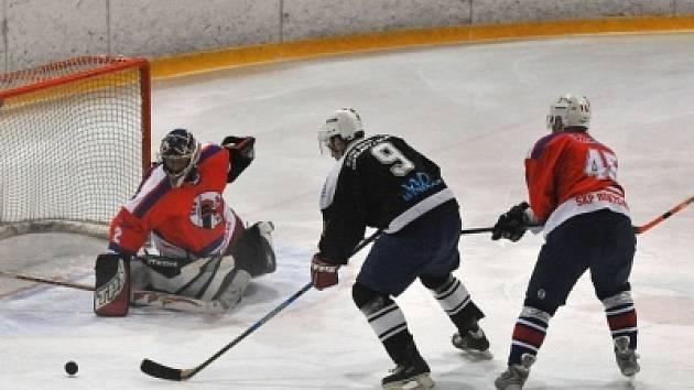 Hokejisté SKP Klatovy remizovali v Rokycanech
