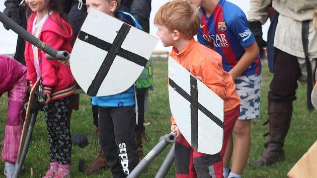 O pouti si děti zašermovaly s rytíři