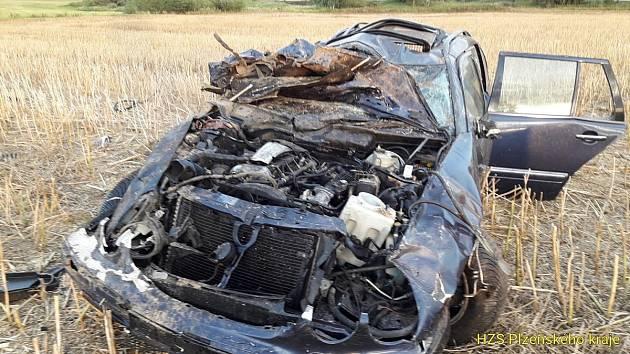 Havárie osobního auta u Kolince