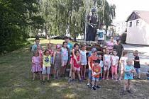 Děti v Běšinech pálily čarodějnice.