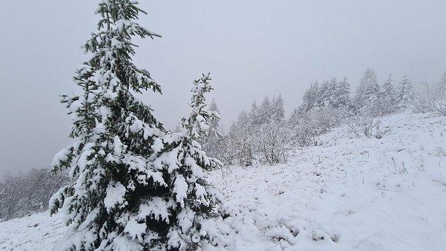 Na Šumavě napadl první sníh, vydatně pršelo nejvíce na Jindřichohradecku