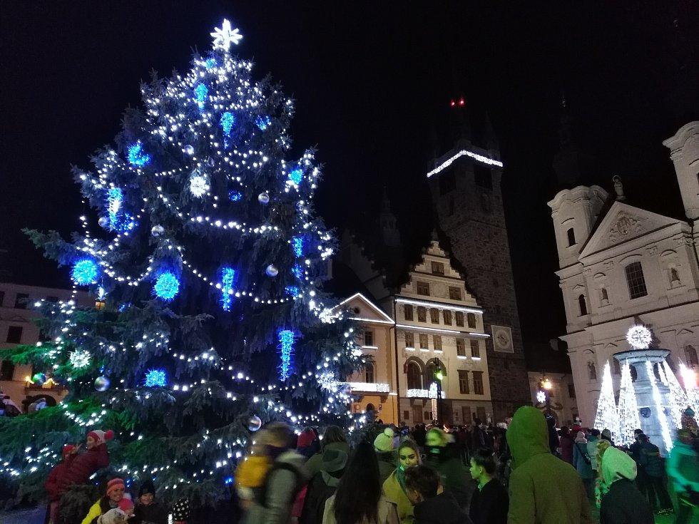 Rozsvícení vánočního stromu v Klatovech a výzdoba centra.
